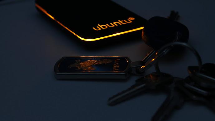 Wallpaper: Ubuntu Device and Keys