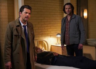 "Misha Collins as Castiel, Jensen Ackles as Dean Winchester, Jared Padalecki as Sam Winchester in Supernatural 14x14 ""Ouroboros"""