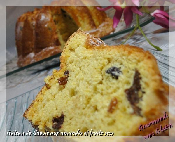 Gâteau de Savoie aux amandes et fruits secs
