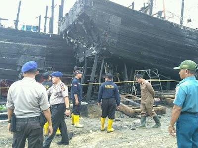 Teliti Kebakaran Dua Kapal Di Pekalongan Utara, Puslabfor Mabes Polri Ungakapkan Ini