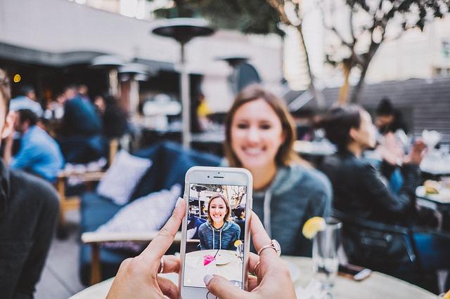 स्मार्टफोन से डीएसएलआर की तरह फोटो कैसे लिया जा सकता है