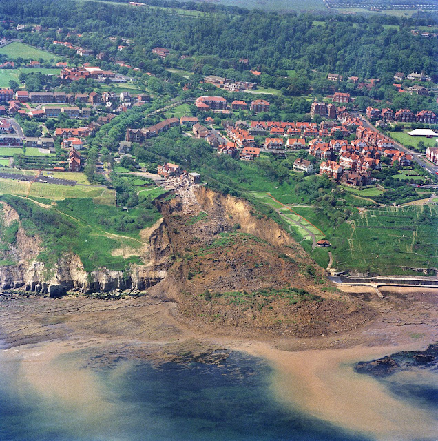 The Holbeck Hall landslide 1993.  P707132. BGS Copyright NERC.