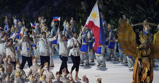 Philippines' 2018 Asian Games Entrance (VIDEO) PHL Team Flag-bearer Jordan Clarkson