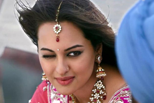 Desi girl deepti showing her sexy asshole - 5 1