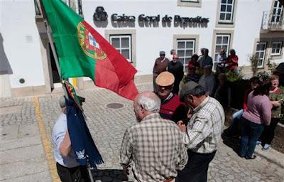 http://www.dn.pt/portugal/interior/freguesias-desconhecem-acordo-anunciado-pelo-governo-para-a-cgd-7203861.html
