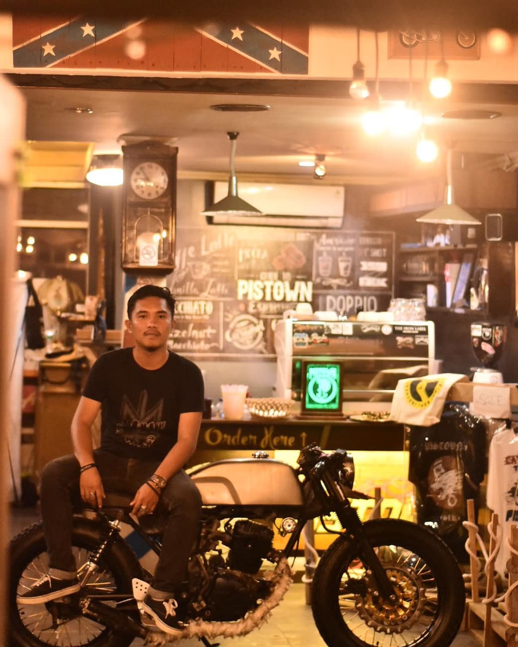 Cafe Pistown Honda Tiger Caferacer