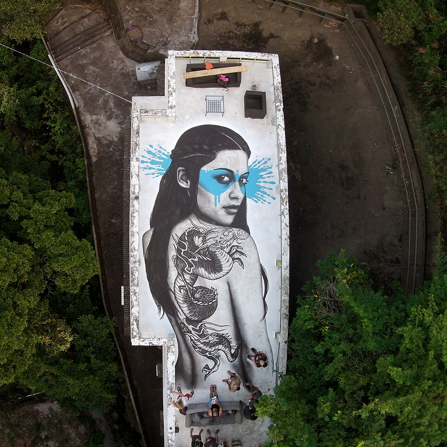 Our friend Fin DAC recently stopped by the peninsula of Hong-Kong where he was invited to work on this new piece somewhere near The Dragons Back.