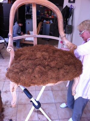 tapisserie ameublement et restauration mobilier quoi de neuf cette semaine en cours de tapissier. Black Bedroom Furniture Sets. Home Design Ideas