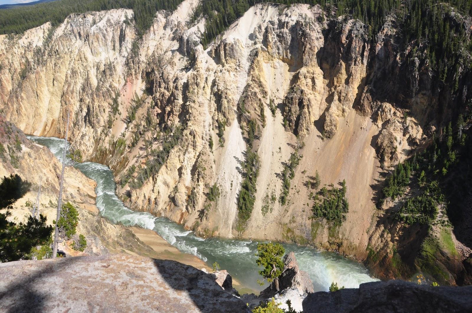 Yellowstone National Park in Hindi धरती मां का