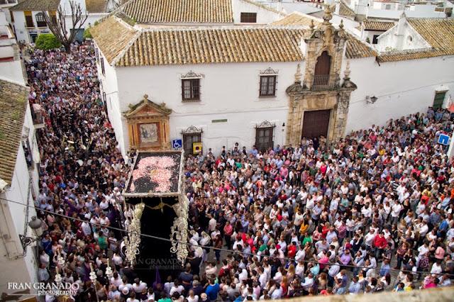 http://franciscogranadopatero35.blogspot.com/2015/07/manana-del-viernes-santo-con-la-hdad-de_27.html