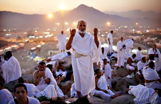 Mendapat Perlakuan Baik, Tahanan Di Mekkah Ini Pun Putuskan Masuk Islam dan Mendapat Hadiah Bebas Berhaji