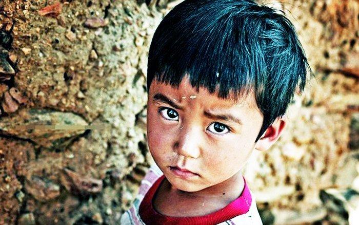 Rơi nước mắt chuyện bát cơm 5 ngàn của cậu bé nghèo vùng cao