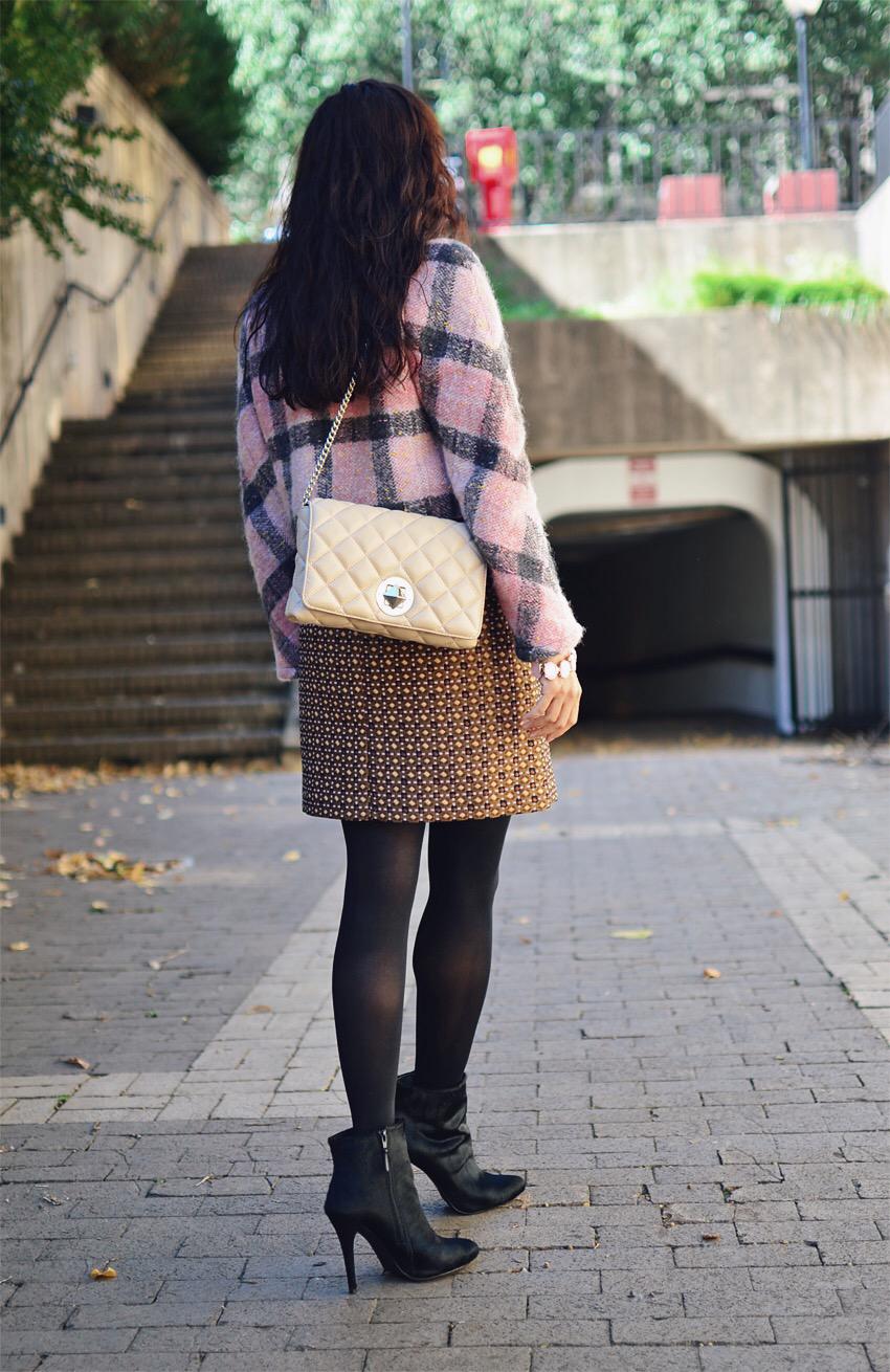 Jacquard skirt street style
