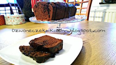 Prosty murzynek z cynamonem - wilgotne ciasto czekoladowe