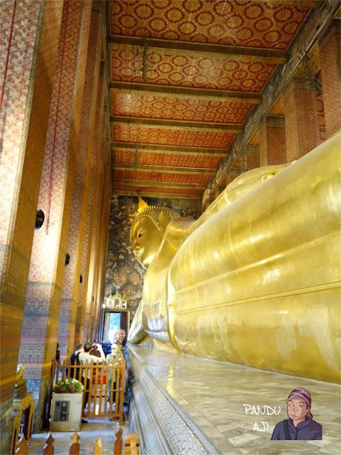 Patung Budha Tidur di Wat Pho