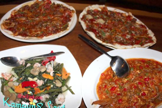 harga makanan di di Kampung Laut Semarang