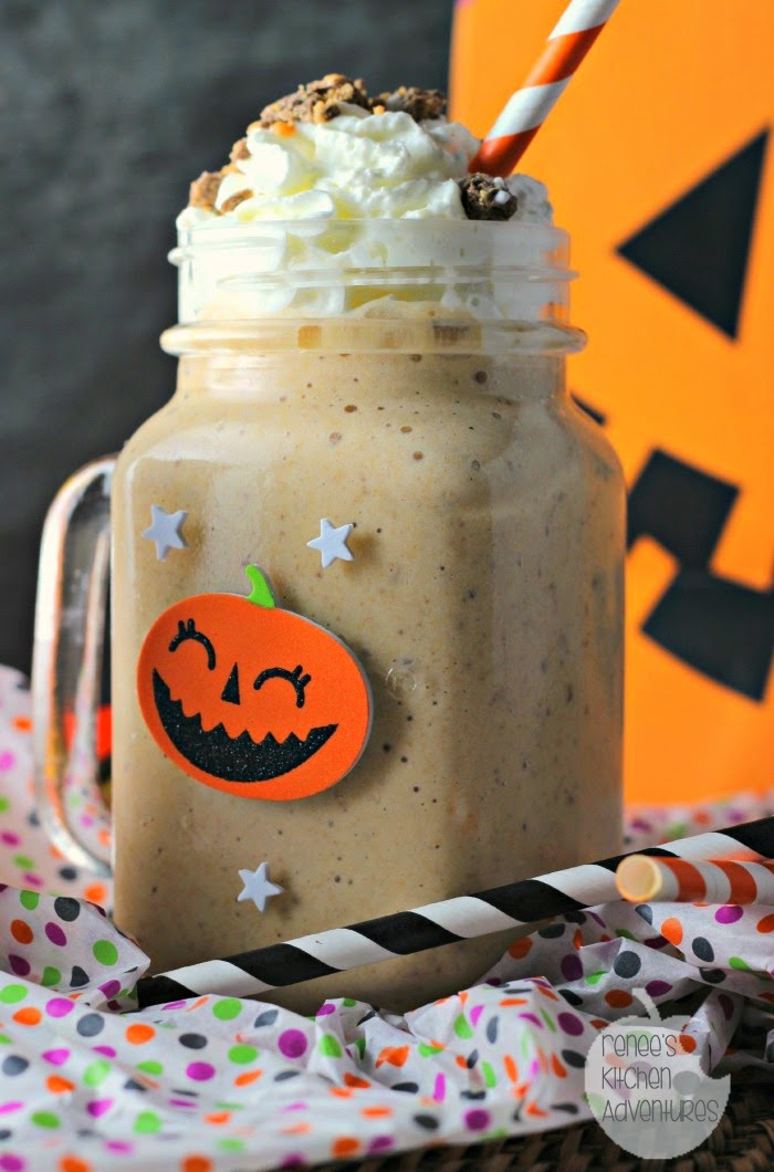 Candy Bar Butterscotch Pudding Smoothie! Butterscotch pudding cups, banana, milk and candy!  #shop #snackpackmixins