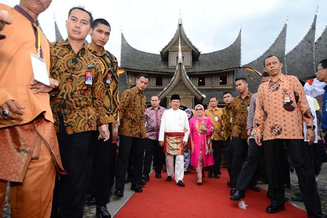 Istana Pagaruyung Sumatera Barat
