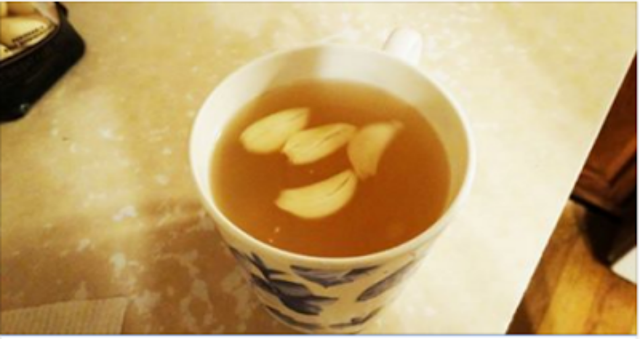 شاي الثوم قد يكون الاسم غريبا ولاكنه فعال ومفيد جدا للجسم لن تصدق فوائده المذهله عند معرفتها ستعتاد علي شربه