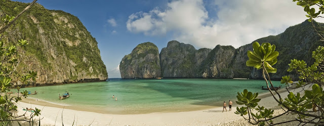 best beach in the world, Maya Bay, Koh Phi Phi Leh, Thailand.