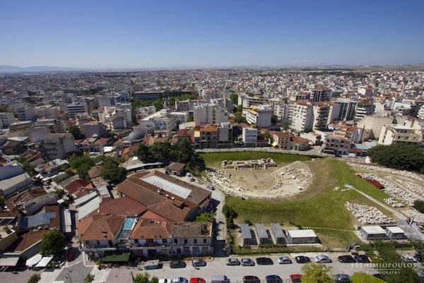 Ισχυρή η βούληση του Δημοτικού Συμβουλίου Λάρισας για την απαλλοτρίωση μπροστά στο Αρχαίο Θέατρο
