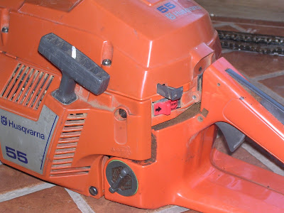 Chainsaw use and maintenance for beginners the ultimate answer having checked your fuel bar oil and chain tension its time to fire this bad boy up starting a cold chainsaw engine comes in two stages greentooth Image collections