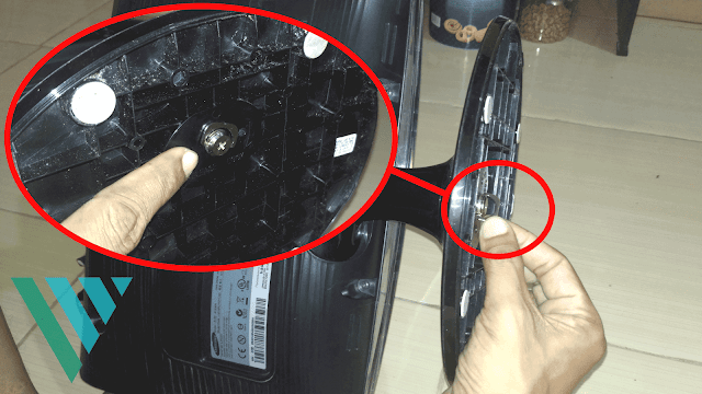 Cara Melepas Kaki/Standing/Dudukan Monitor LCD Samsung