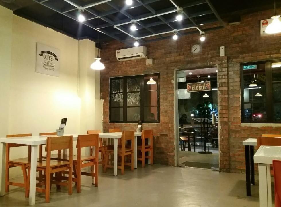 Neighbours Cafe, Taman Bukit Indah, Ampang