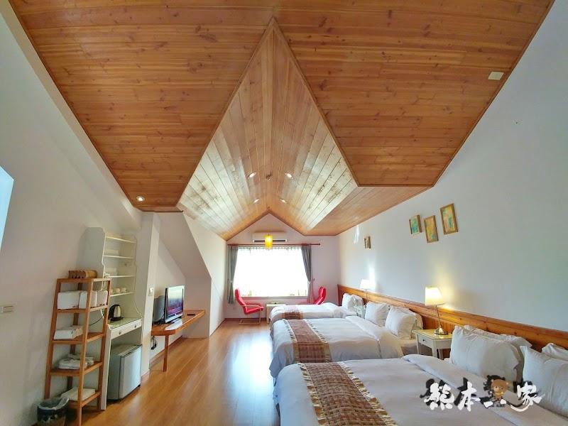 苗栗飛牛牧場親子住宿|牧場原墅家庭房|森林芬多精相伴的童趣屋
