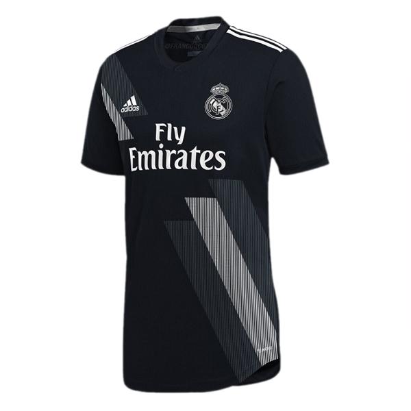 Pero para la nueva tercera equipación Camiseta Real Madrid 2018-2019  baratas sí que llegará una revolución total en la temporada 2018-19  el  diseño y el ... ce0174c2aba4e