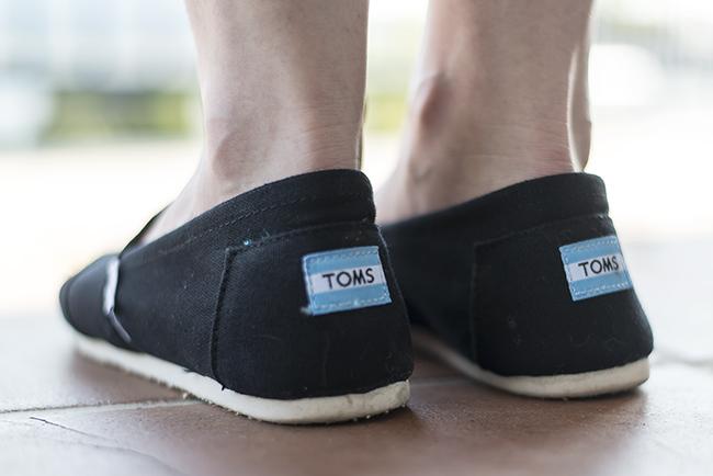 toms-schwarz-espadrilles