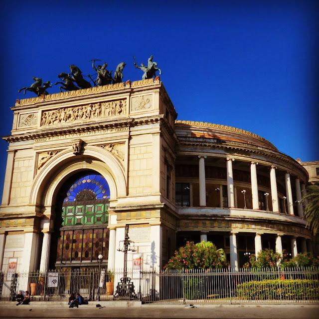 Road trip in Sicily - Teatro Politeama Garibaldi in Palermo