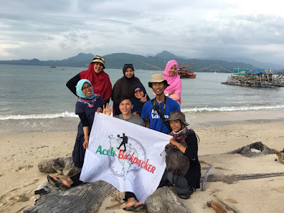 aceh backpacker in pulo raya