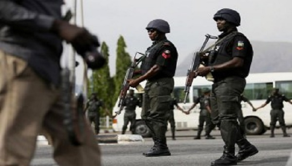 BREAKING: Police shoot at crowd in Uyo