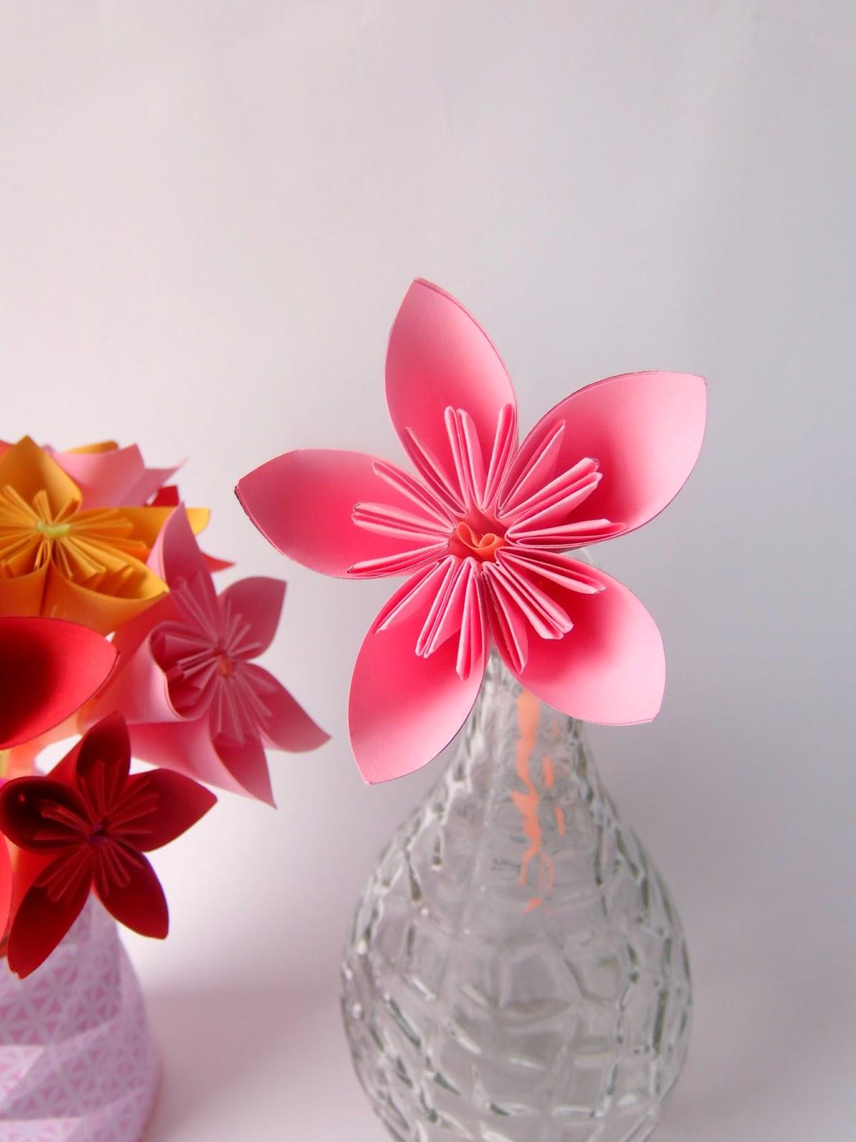 Bouquet de fleurs origami truc tricks - Youtube origami fleur ...