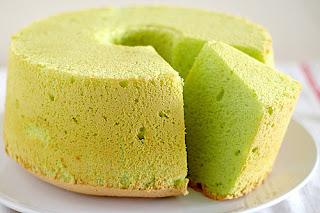 Kue Pandan Chiffon Cake