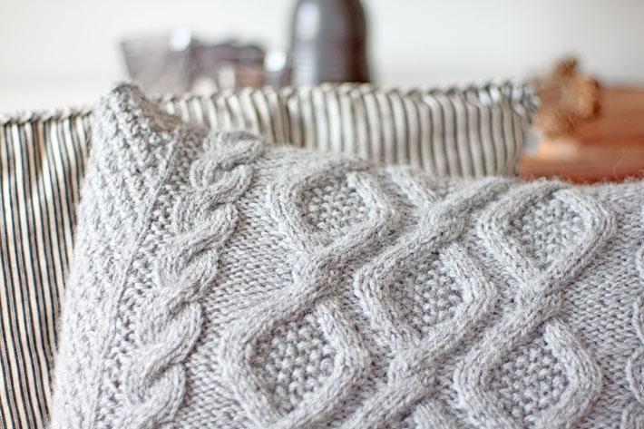 das erste und nicht das letzte strickkissen ist fertig amalie loves denmark. Black Bedroom Furniture Sets. Home Design Ideas