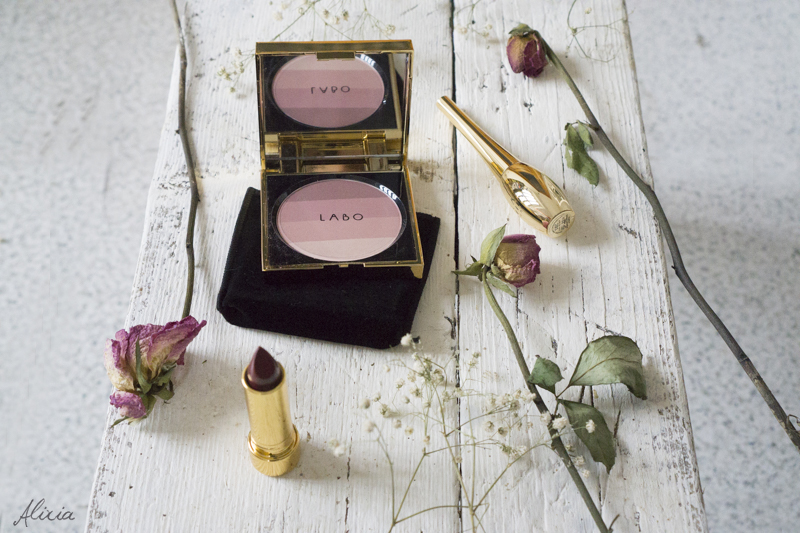 Recensione trucchi labo suisse - Eyeliner nero per occhi sensibili, fard rosato e rossetto burgundy