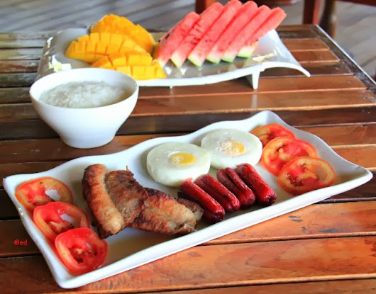 The Cuisineuer: Breakfast at Melvo's Garden Bed & Breakfast, Puerto Princesa City, Palawan