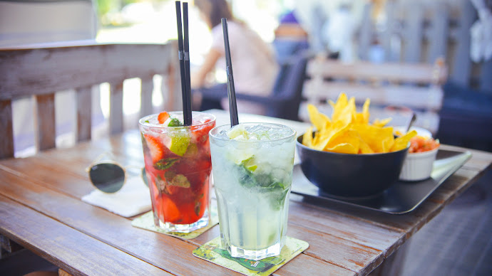 Wallpaper: Fruit Cocktails. Chips and Salsa
