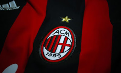 https://commons.wikimedia.org/wiki/File:AC_Milan_Maglia_200809.jpg