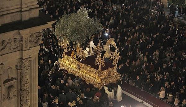 ¿Cuándo y cómo se pueden renovar los abonos de la Carrera Oficial de la Semana Santa de Sevilla 2019?