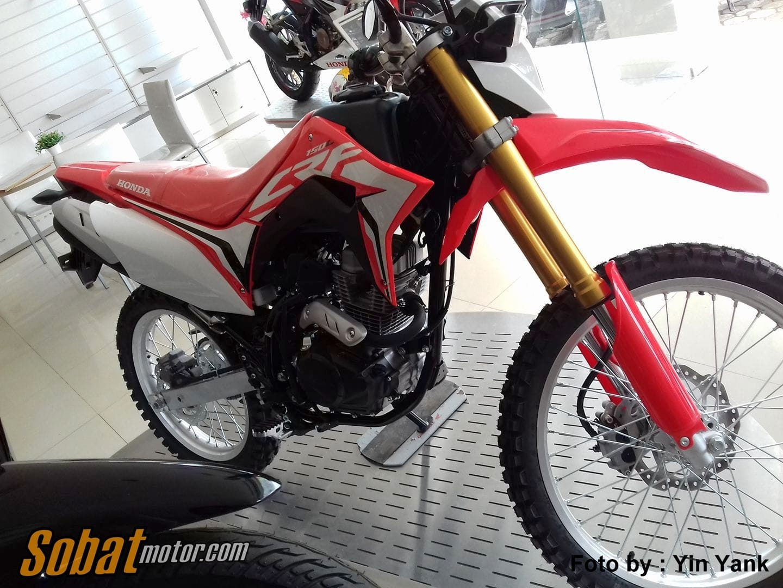All New Honda CRF150L sudah tiba di salah satu showroom di daerah Jawa Tengah, berikut harganya sob