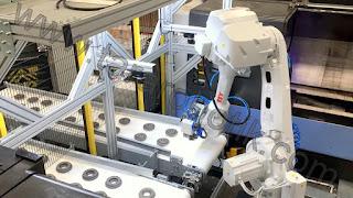 Kameralı cnc tezgah torna yükleme robotu