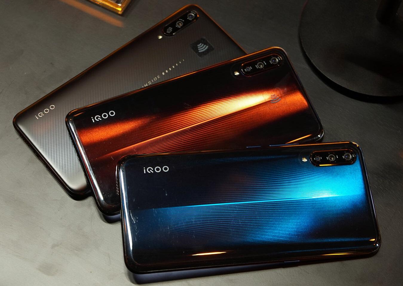 Harga dan Spesifikasi Smartphone Vivo iQOO