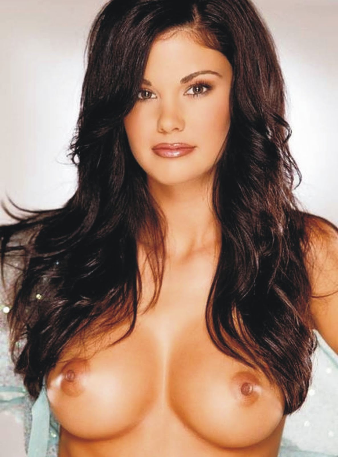 thick-jayde-nicole-naked-tits-morgue