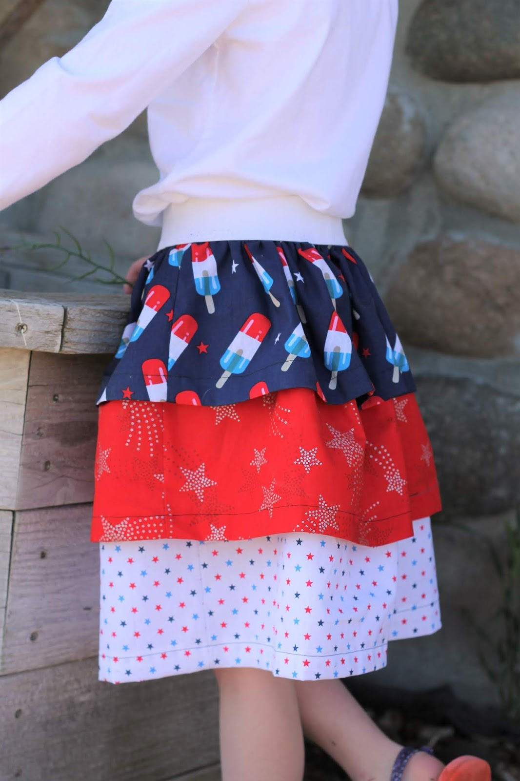 Sewing tutorial: Patriotic tiered ruffle skirt