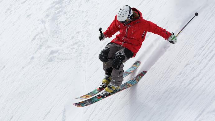 Wallpaper: Freestyle Skiing on Powder Mountain