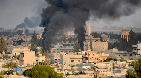 Χάος και αίμα στη Συρία: Συνεχίζει τους βομβαρδισμούς η Τουρκία – Στους 277 οι νεκροί