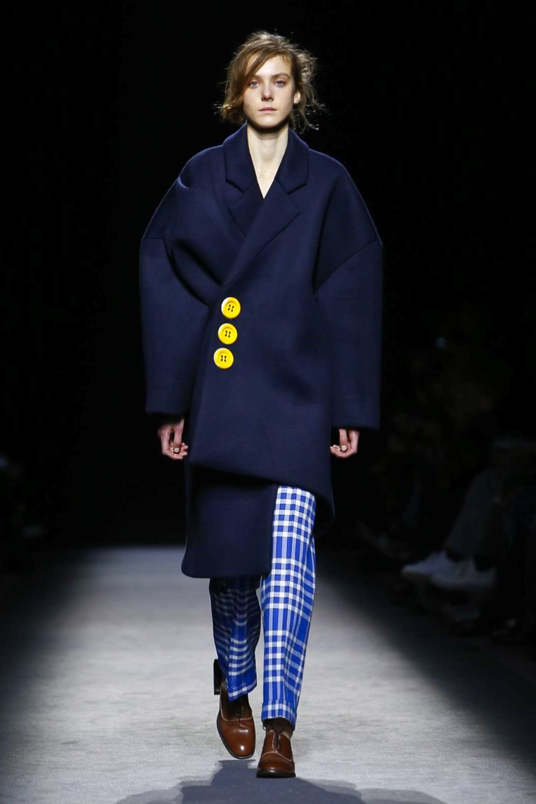 jacquemus-fall-winter-2016-2017-collection-paris-fashion-week, , jacquemus-fall-winter-2016-2017, jacquemus-fall-winter-2016, jacquemus-fall-winter-2017, jacquemus-fall-2016-2017, jacquemus-fall-2016, jacquemus-fall-2017, du-dessin-aux-podiums, dudessinauxpodiums
